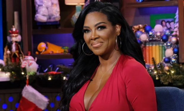 WATCH WHAT HAPPENS LIVE WITH ANDY COHEN -- Episode 16204 -- Pictured: Kenya Moore -- (Photo by: Charles Sykes/Bravo)