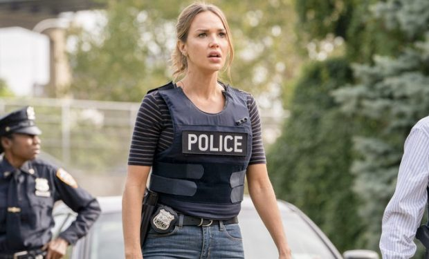 """LINCOLN RHYME: HUNT FOR THE BONE COLLECTOR -- """""""" Episode 103 -- Pictured: (l-r) Arielle Kebbel as Officer Amelia Sachs; Michael Imperioli as Detective Mike Sellitto -- (Photo by: Peter Kramer/NBC)"""