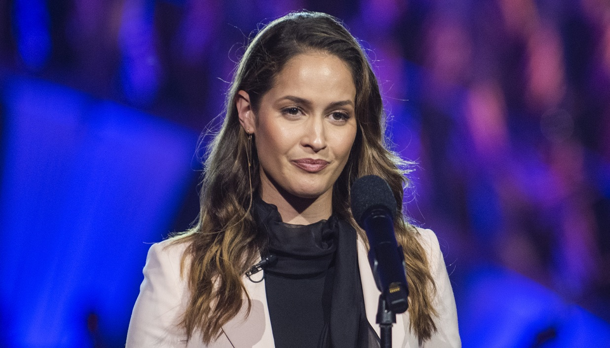 Actress Jaina Lee Ortiz performs on stage during the National Memorial Day Concert on the west lawn of the U.S. Capitol, Washington, D.C., May 26, 2019. The concert's mission is to unite the country in remembrance and appreciation of the fallen and to serve those who are grieving. (DOD photo by U.S. Navy Petty Officer 1st Class Dominique A. Pineiro)