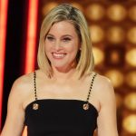 Elizabeth Banks Press Your Luck