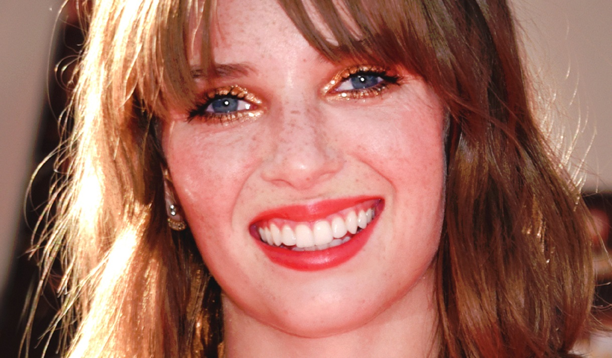 """Uma Thurman and Ethan Hawke's Daughter Stuns As New Cover Girl, """"Looks Like Mom and Dad"""""""